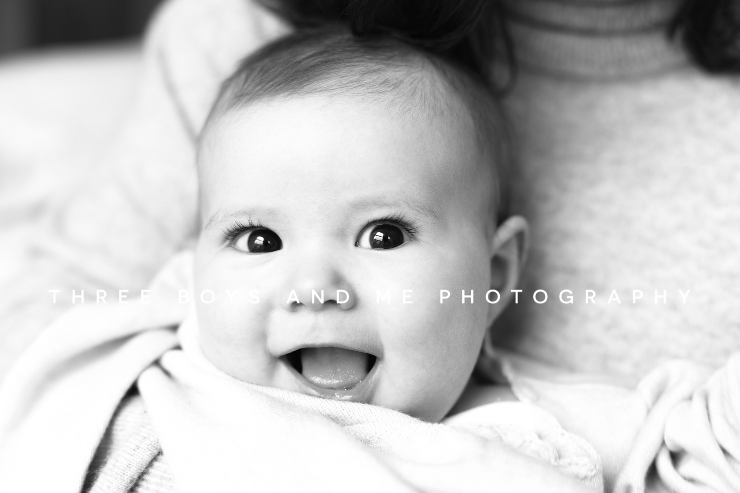 lifestyle baby photography black and white