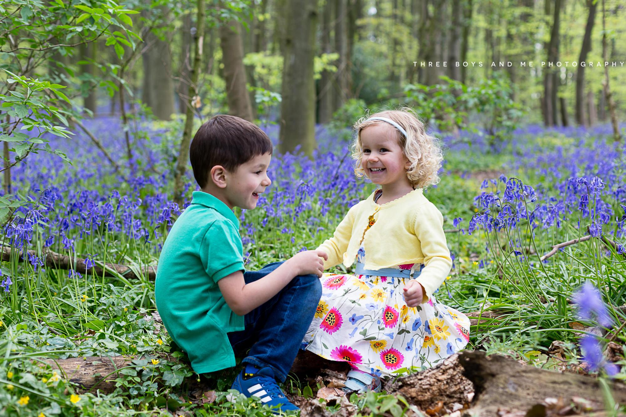 bluebell children photography, bluebell family photography, photoshoot in the bluebells