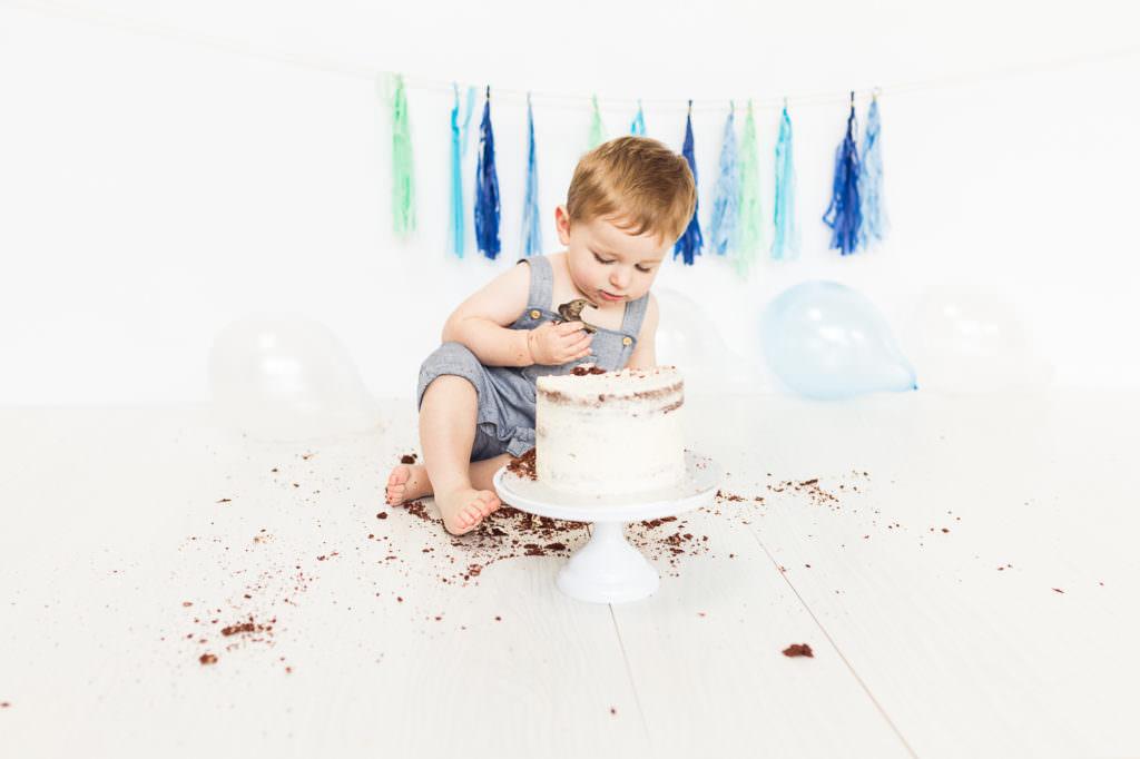 Cake smash photographer Nina Callow 3B&ME Photography London Kent