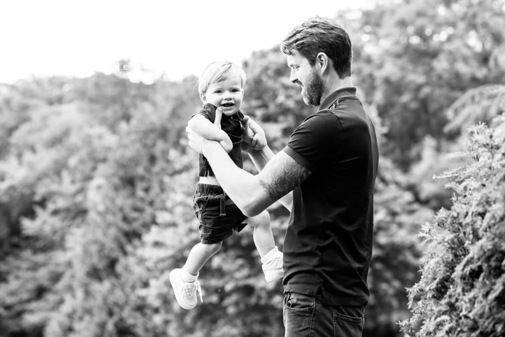 Outdoor family socially distanced photographer Nina Callow 3B&ME London Kent