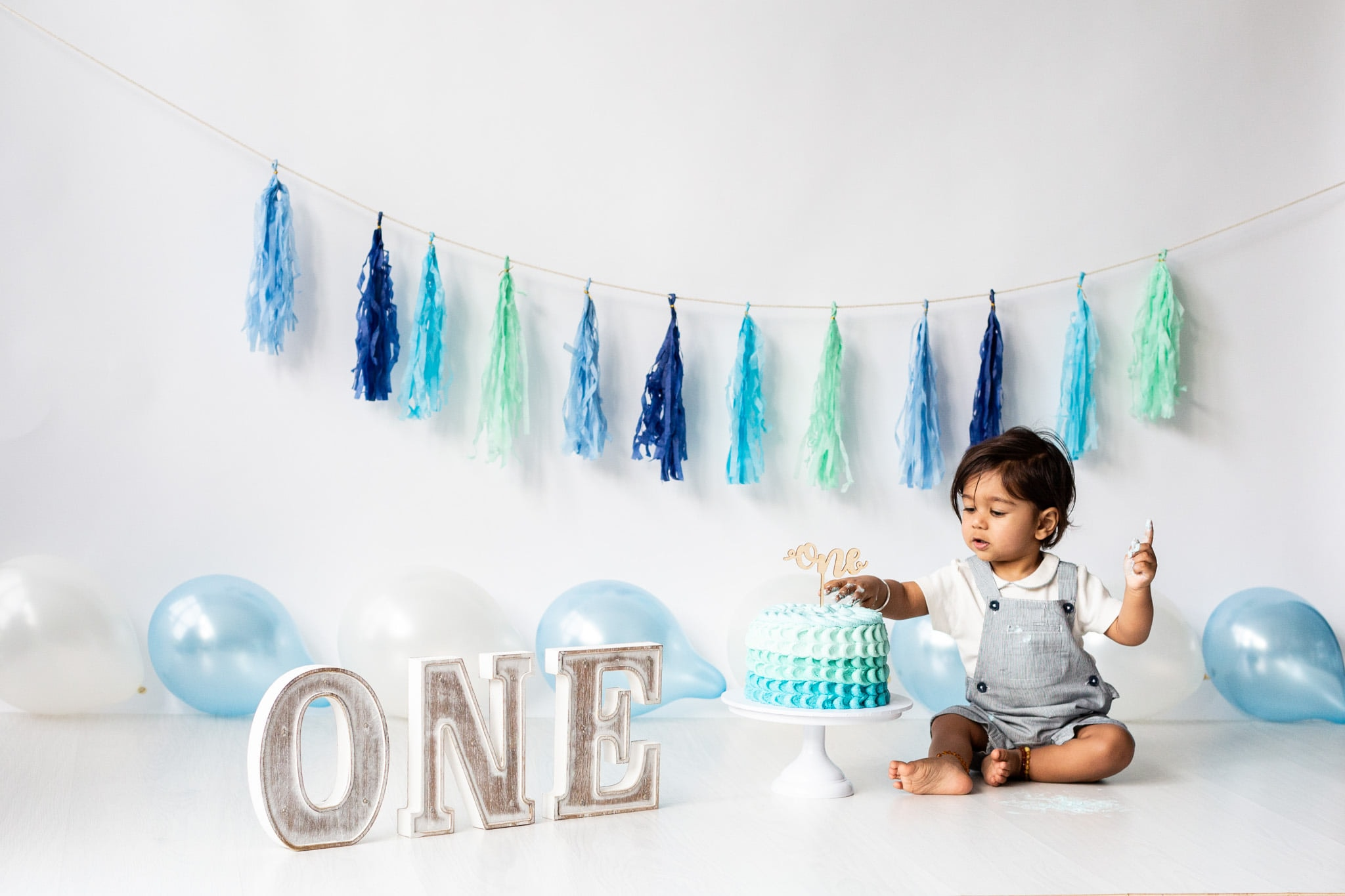 Its all about Cake Smash sessions at my Bexley photography studio right now!
