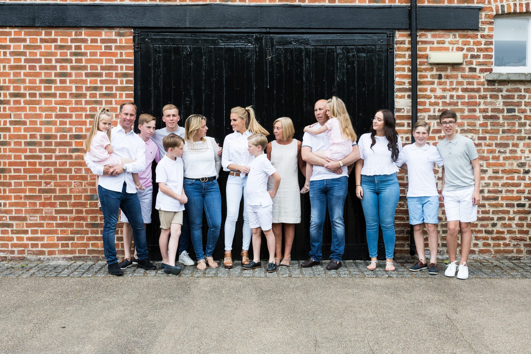 Bexley extended family shoot at Hall Place Bexley 2019